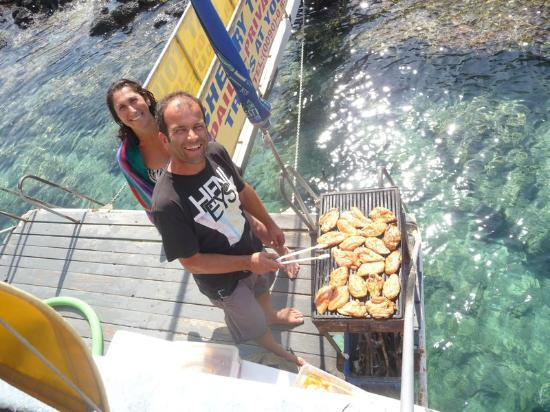Cherry Tree Boat Tours / Day Tours : Lunch being cooked on board