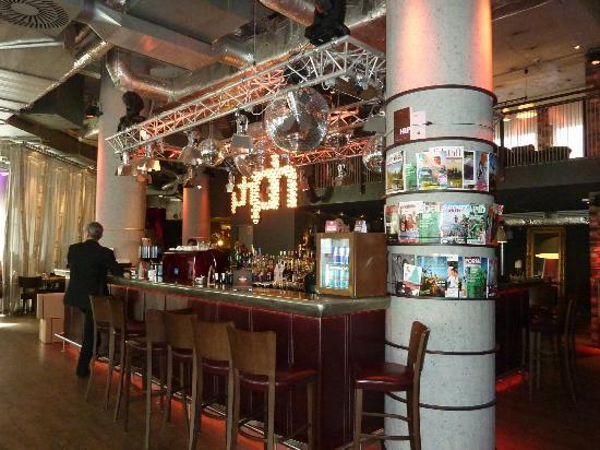 Pentahotel Vienna: le bar réception