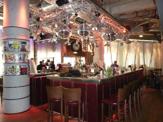pentahotel Vienna: Toujours le bar