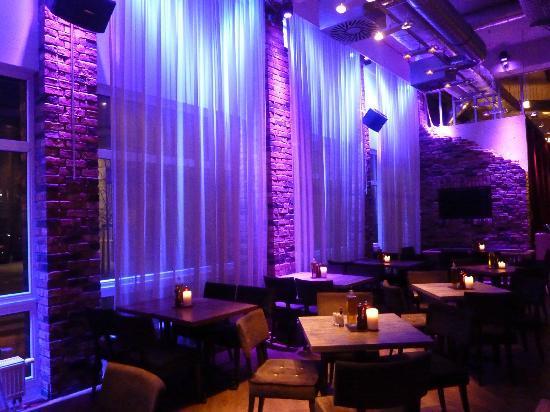 pentahotel Vienna: La salle de restaurant et pt déj