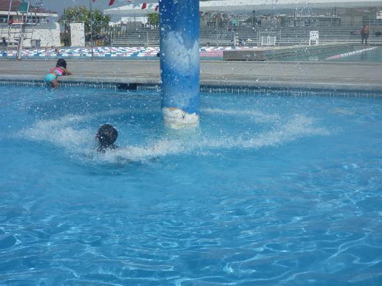 Kona Community Aquatic Center: kids pool