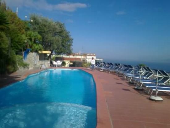 Cristina Hotel : piscina