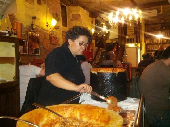 Bucatini all 39 amatriciana flamb picture of trattoria for La vecchia roma ristorante roma