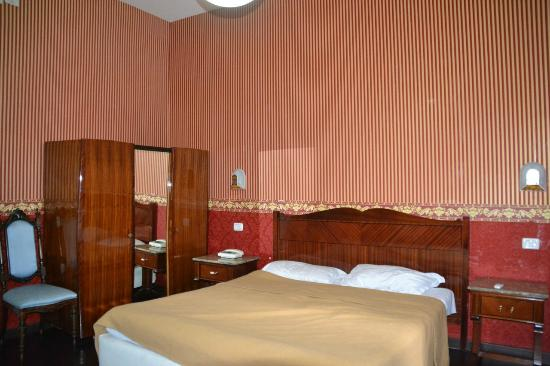 Hotel Argentina: Our room