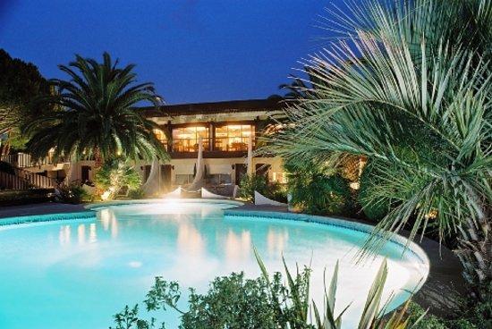 Echapp e belle photo de le spinaker hotel lodge spa - Hotel le grau du roi avec piscine ...