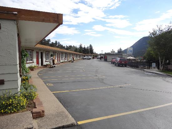 Alpine Trail Ridge Inn: Mittlerer Teil des Motels