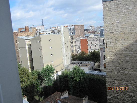Quality Hotel Abaca Messidor Paris: The view towards Tour Eiffel