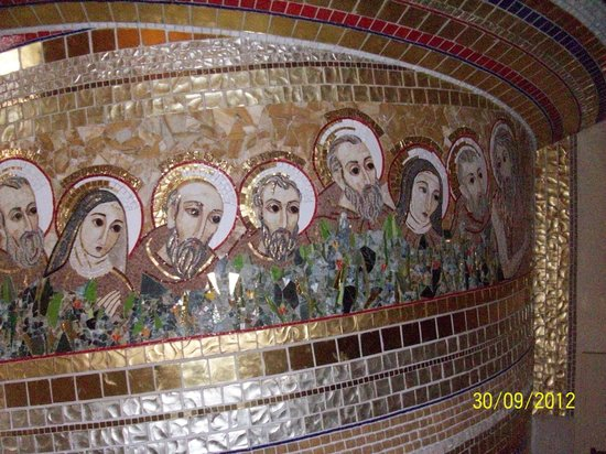 San Giovanni Rotondo, Italien: mosaic on walls