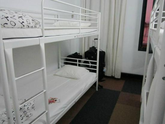 The Architect: esse é o quarto que fiquei. Misto, tem espaço e lockers.