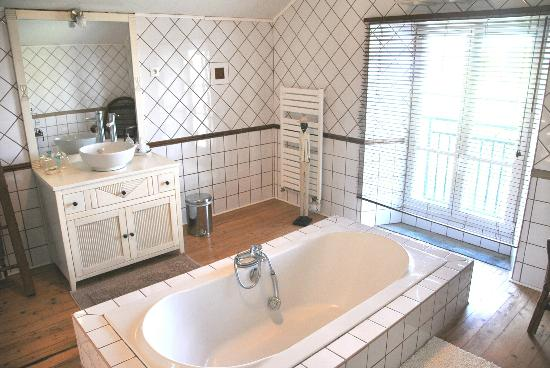 Au Repos du Vannier : Salle de bain chambre 1