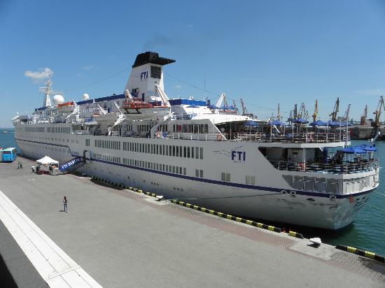 The Odessa Port: Лайнер