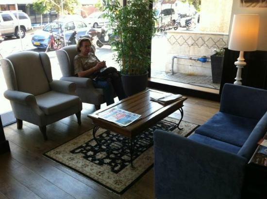 The Port Hotel Tel Aviv: Recepcion dia
