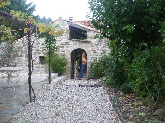 La Seigneurie de Naves: proche entre la terrasse ouverte et la terrasse couverte