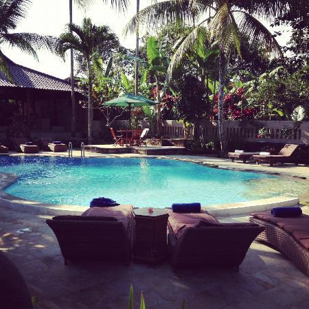 Saren Indah Hotel: Poolside