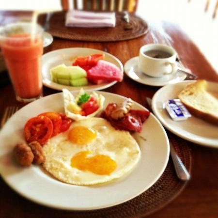 Saren Indah Hotel: Breakfast