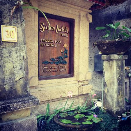Saren Indah Hotel : Entrance of hotel