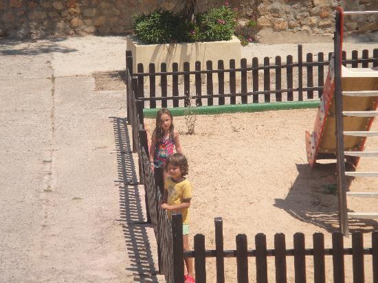 El Pinar Aparthotel: parque del hotel