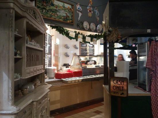 River Inn Resort: Meal counter