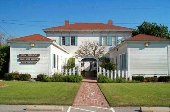 Monterey Inn: DRUM BARRACK 1800 CIVIL WAR MUSEUM