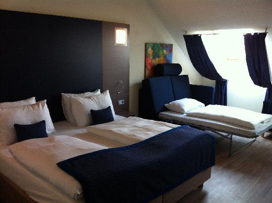 FourSide Hotel City Center Vienna: Dachgeschoss Familienzimmer