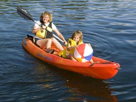 Monterey Inn: ACTIVITIES  AROUND AT THE BEACHES KAYAKING