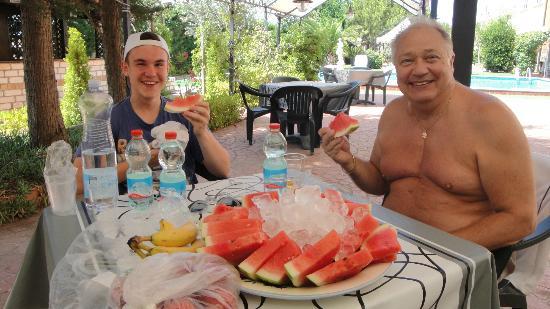 Perla del Gargano Hotel Restaurant: Eating Watermelon