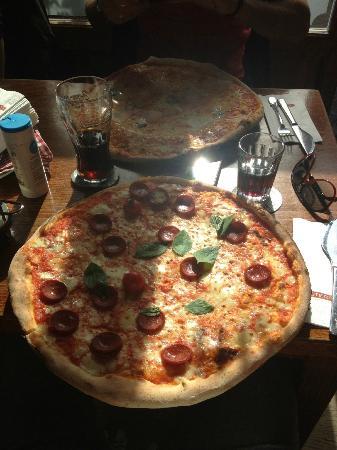Pizza alla salciccia