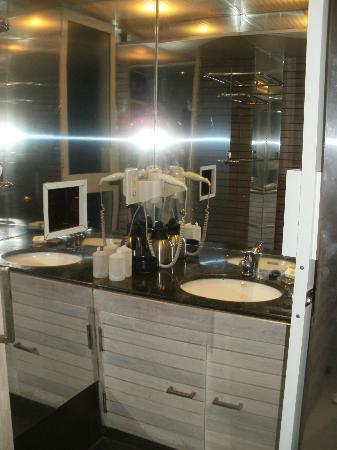 โรงแรมเลดี ฮิลล์: Newly refurbished bathroom