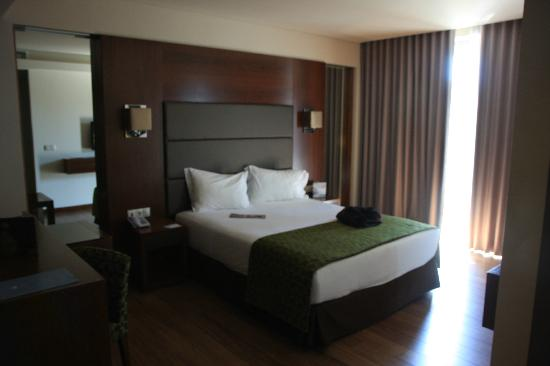 Eurostars Oporto: View of bed