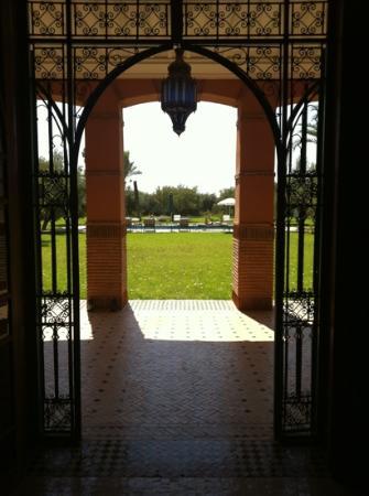 Dar Kantzaro: hall villa