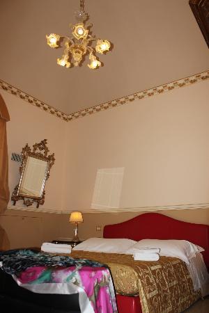 Antica Badia Relais Hotel: Superior room