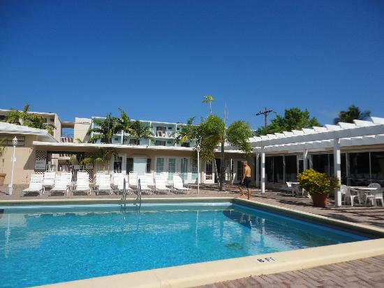 Sombrero Resort & Marina: piscina