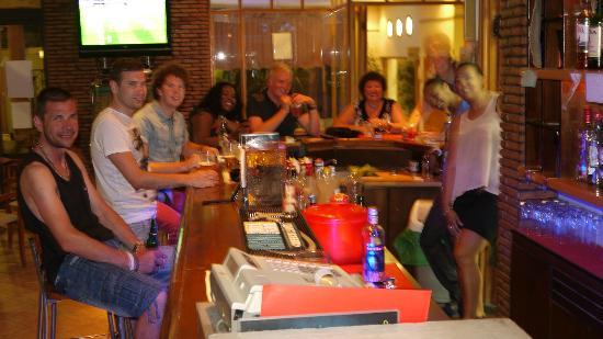 Argiri Hotel: Fun at the bar