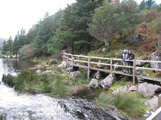 Tralee Bay Holiday Village: Lake and boardwalk