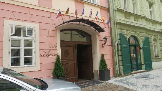 Hotel Residence Agnes: Entrée de la Résidence Agnès 