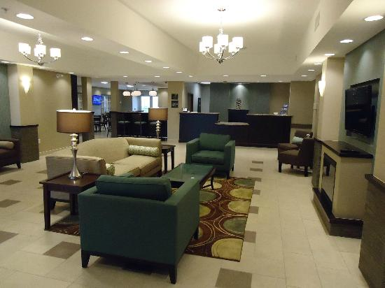 Best Western Plus Walkerton Hotel & Conference Centre: Lobby Social Hub