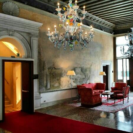 Ruzzini Palace Hotel: lobby outside the 2nd floor rooms