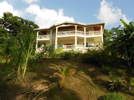 Rumboat Retreat: The house
