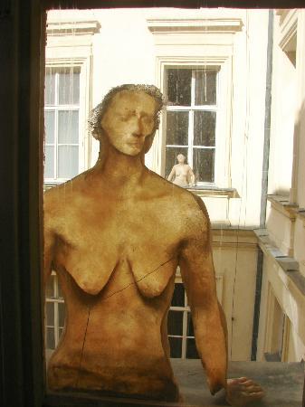 Artbanka Museum of Young Art: www.amoya.cz