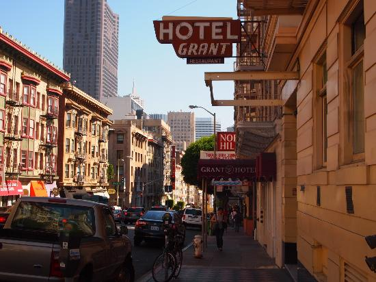 The Grant Hotel: 坂の頂上にあるグレース大聖堂へは是非!!