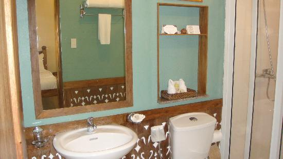 Amarela Resort: another view of the bathroom
