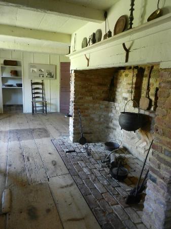 Oldest House (Jethro Coffin House) : Summer Kitchen