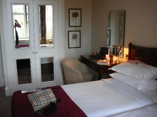 Macdonald Randolph Hotel: Room 205