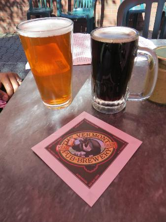 Vermont Pub and Brewery: Pint and 8 oz beer