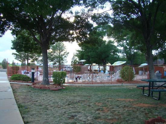 Quality Inn at Lake Powell: Poolbereich