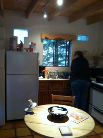 Burch Street Casitas Hotel: kitchen complete with all we needed