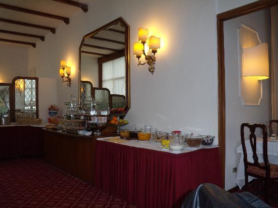 Villa Carlotta Hotel: breakfast