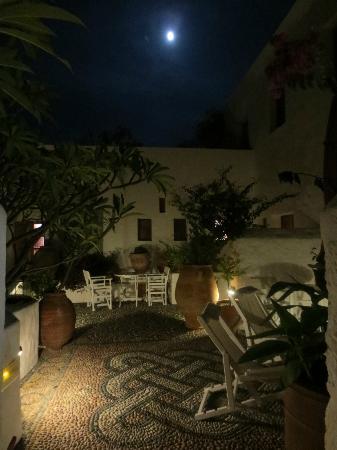 Melenos Lindos Hotel: Outdoor Terrace