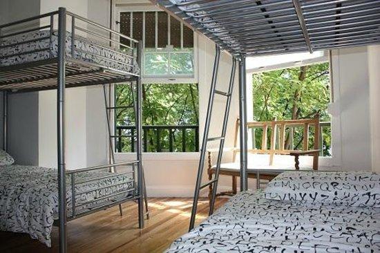 Aloha Hostel: Habitación