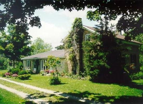 "A Valley View B&B : ""Perfectly Pampered Privacy"" near Stratford"